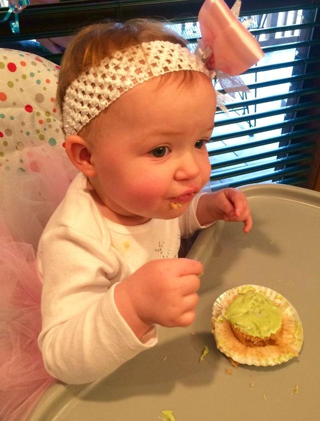Hazel w Cupcake