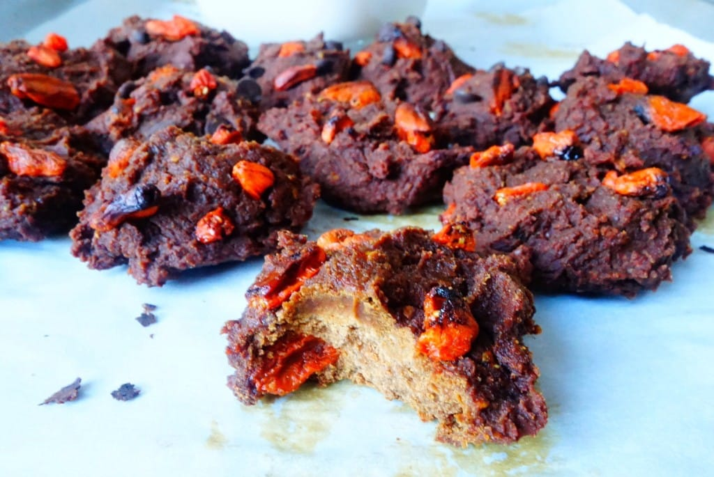 Chocolate Goji Berry Cookies